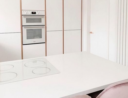 Happy Friday! 30mm Ultra White Quartz finishes off this crisp white kitchen complete with pink and rose gold details